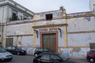 Un altro cinema chiude. Ma il cinema non muore.