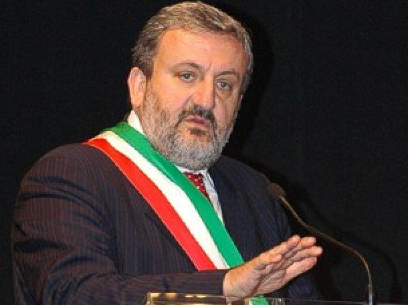 Michele Emiliano, Foggia e gli aeroporti: la discussione