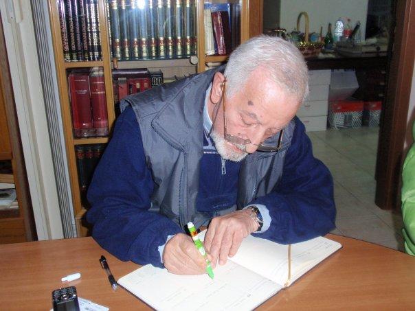 A rischio l'archivio-biblioteca di don Tonino Intiso: una iniziativa per salvarli