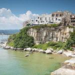 Vieste tra le 20 città nella roccia più belle d'Italia