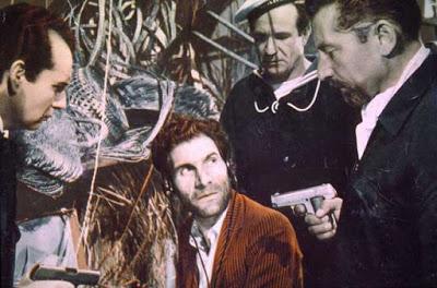 Cinemadessai   Uomini Ombra, la spy story all'italiana di De Robertis