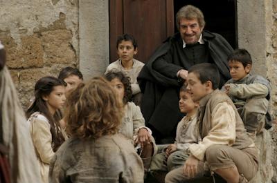 Cinemadessai | Gigi Proietti interpreta il Santo del sorriso