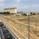 Baffo, seconda stazione, treno per Roma: basta marciare in ordine sparso (di Geppe Inserra)