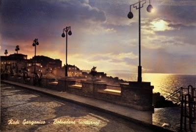 La magia di un tramonto vintage a Rodi Garganico
