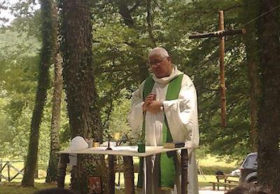 L'estremo saluto a don Fausto Parisi, sacerdote scomodo