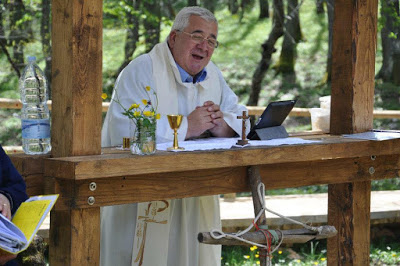 """""""Fausto, sei stato un dono di Dio"""": il video dell'omelia di don Tonino Intiso"""