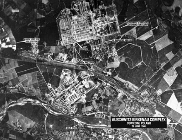 Bombardare Auschwitz partendo da Foggia avrebbe salvato migliaia di vite