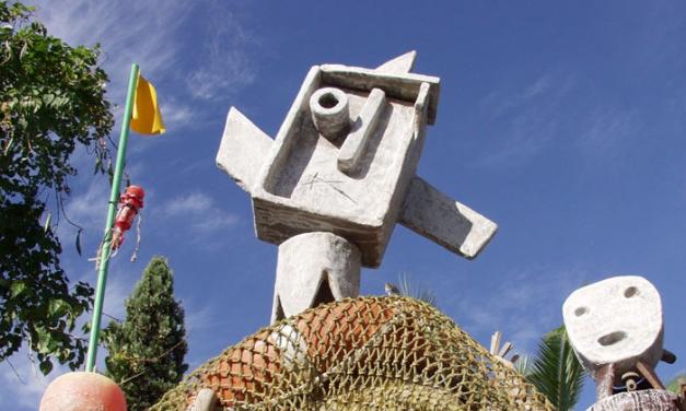 Se i rifiuti diventano arte e bellezza: la Madonna dei Pescatori di Florian Lettl